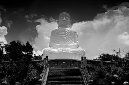 Buddha statue at Bà Nà Mountains
