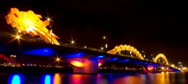 Dragon Bridge at night