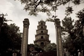 Thiên Mụ Padoga, Hue, Vietnam